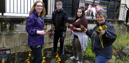 Pathfinders get their hands dirty as they DIG in Falkirk